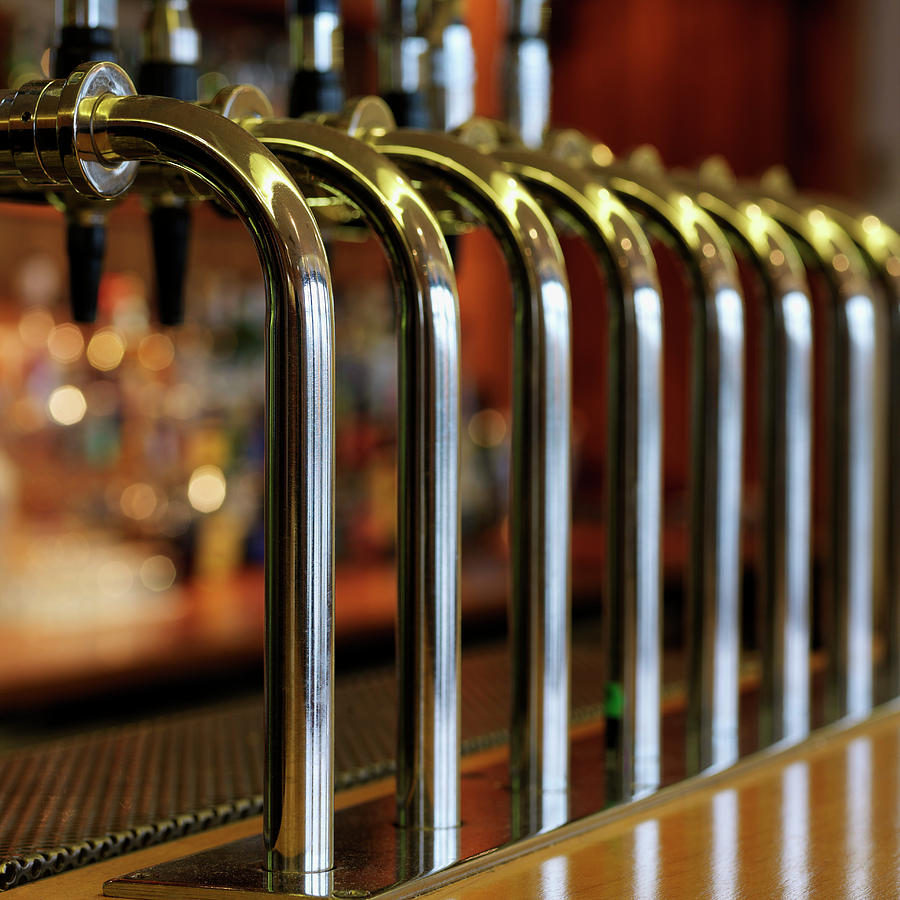 close-up-of-bar-taps-stockbyte